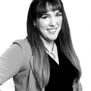 Beatriz Molero bw